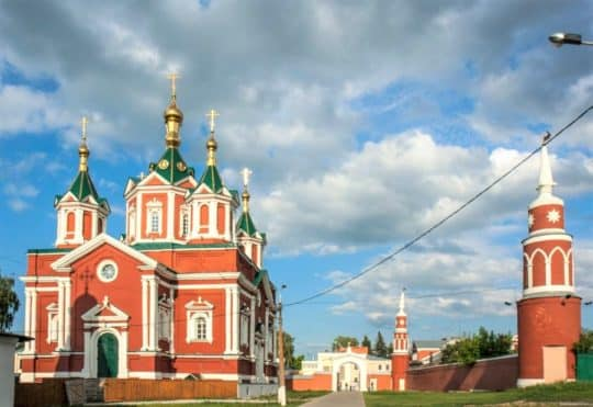 Успе́нский Бру́сенский— женский монастырь Коломна