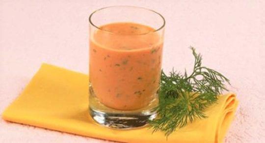 Напиток из томатного сока с кефиром