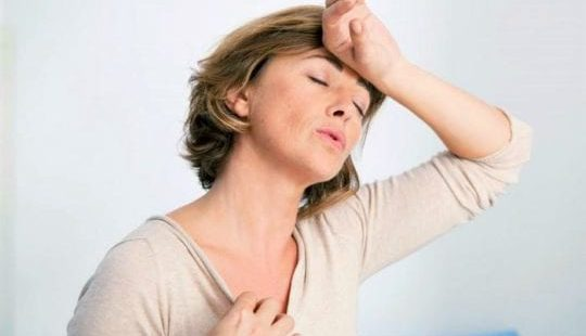 10 причин нарушения гормонального фона у женщин, основные симптомы и лечение