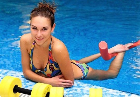 спортивные атрибуты в воде