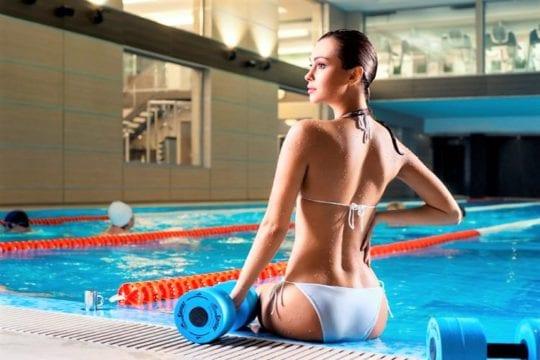 упражнения в воде для осанки
