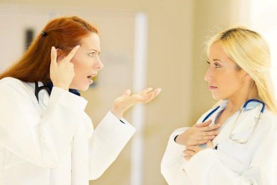 врачи против