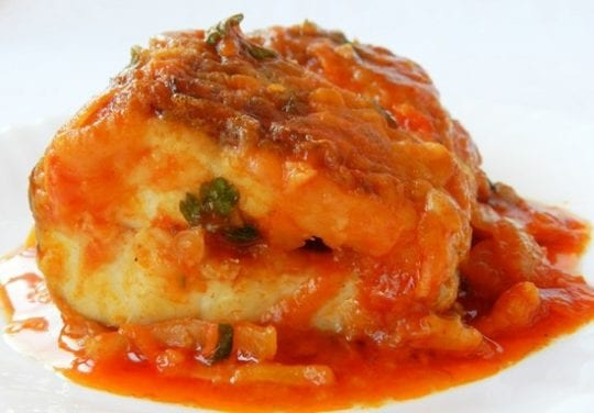 Рыба, тушеная в томатной пасте