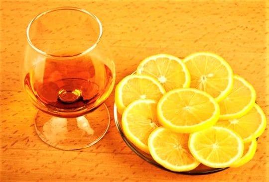 лимон с коньяком