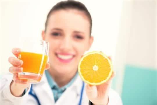 врачи и апельсин