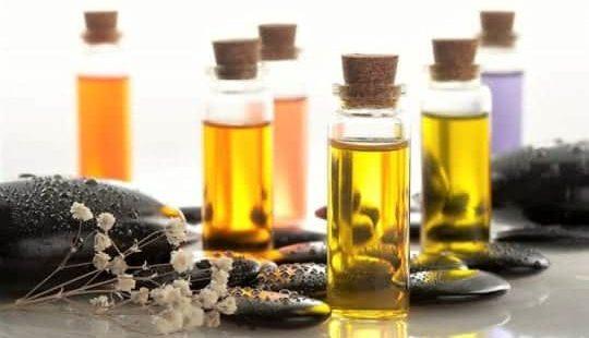 Эфирные масла для волос: список самых эффективных и полезных
