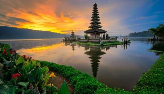 Великолепие и красоты островов Бали и Нуса Пенида