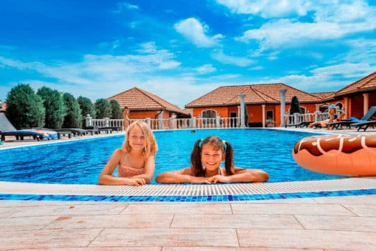 Где снять номер с бассейном в Крыму? Топ 5 городов— курортов Крыма